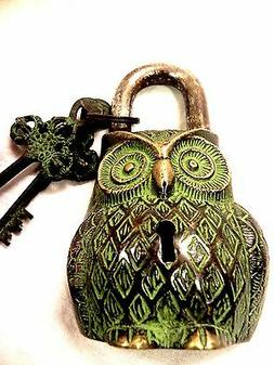 VINTAGE OWL LOCK FUNCTIONAL ANTIQUE BRASS PAD LOCK WITH TWO